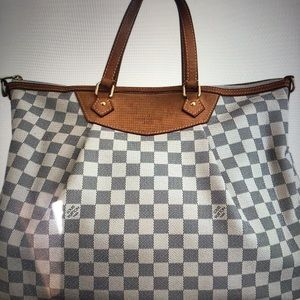 AUTHENTIC LV SIRACUSA GM
